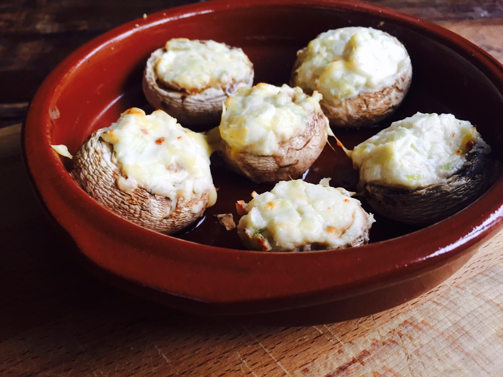 Gevulde champignons met kruidenroomkaas recept van foodblog Foodinista