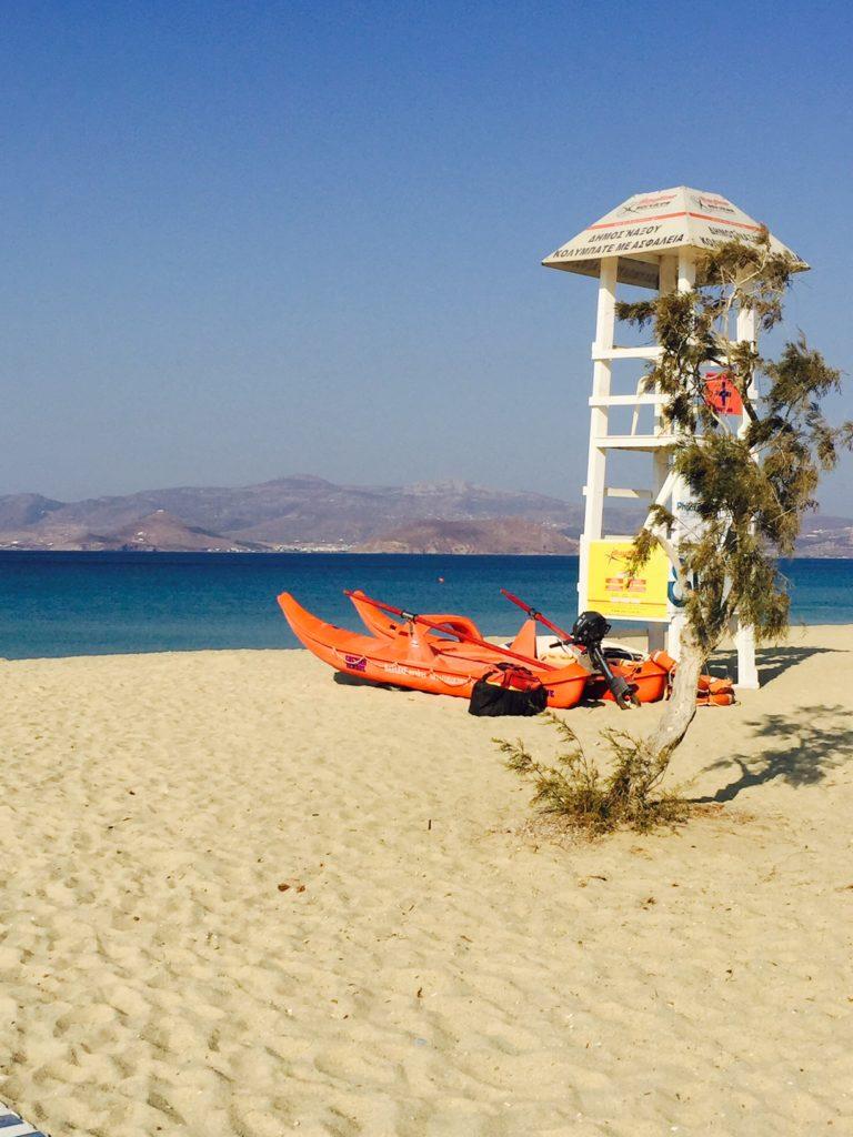 Rustige strand van Agios Prokopios foodblog Foodinista