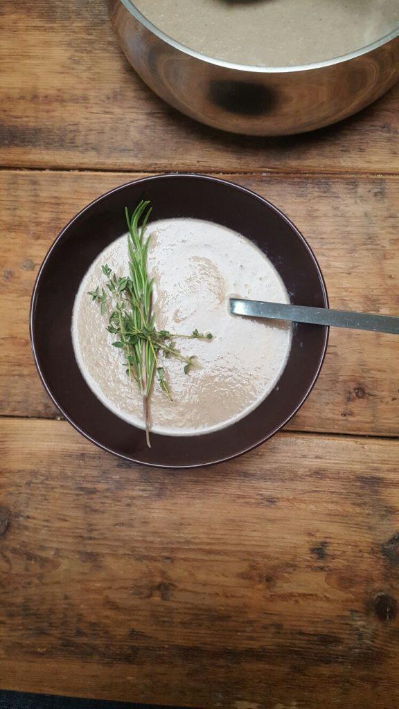 Pittige paddenstoelensoep van Skinny soep met winactie kookboek foodblog Foodinista
