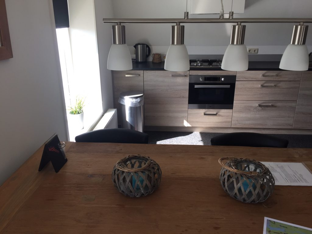 Complete keuken in appartement casa bello porto in de Alde Faenen foodie in Friesland blogger Foodinista