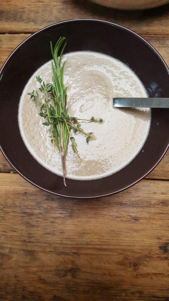 Pittige paddenstoelensoep recept Foodblog Foodinista