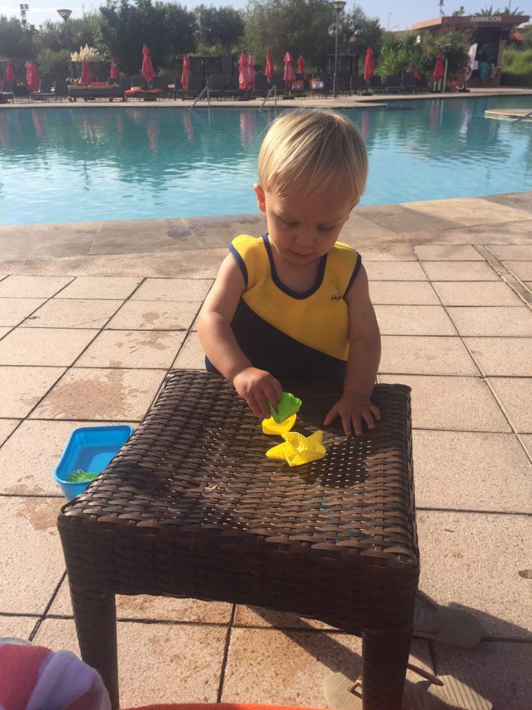 Zonvakantie in Marrakech Kenzi Agdal Medina Resort zwembadtijd reisblog met kinderen