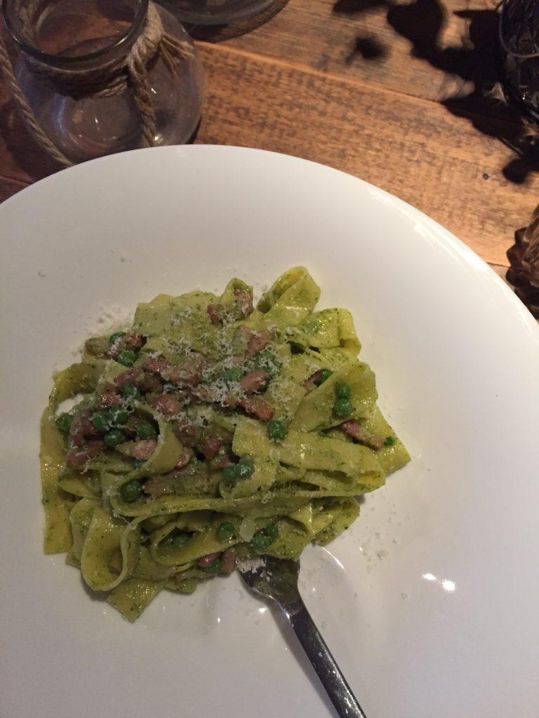 Pasta pesto met doperwtjes en spekjes recept van foodblog Foodinista