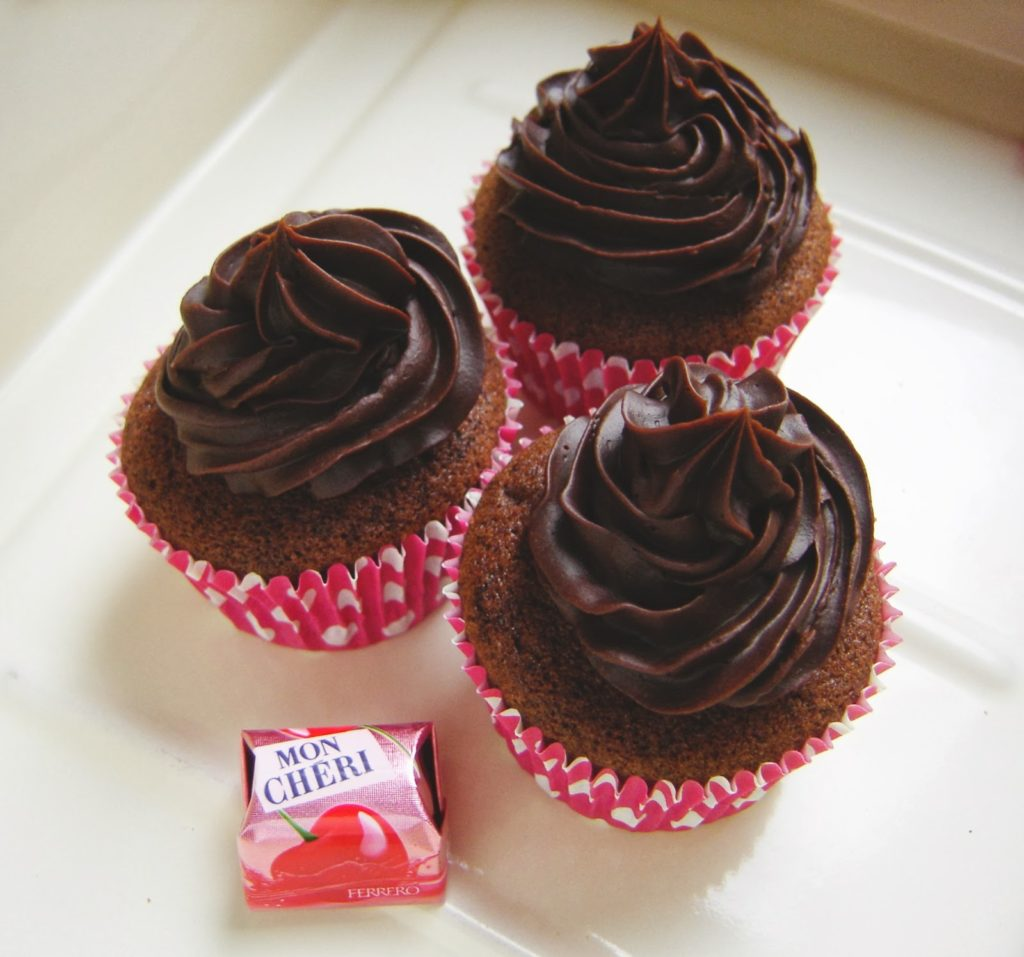 Valentijnsrecepten Mon Cheri Cupcakes Foodblog Foodinista