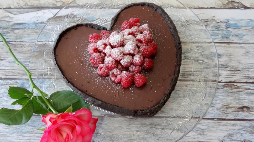 Valentijnsrecepten inspiratie Oreo Ganachetaart met frambozen foodblog Foodinista