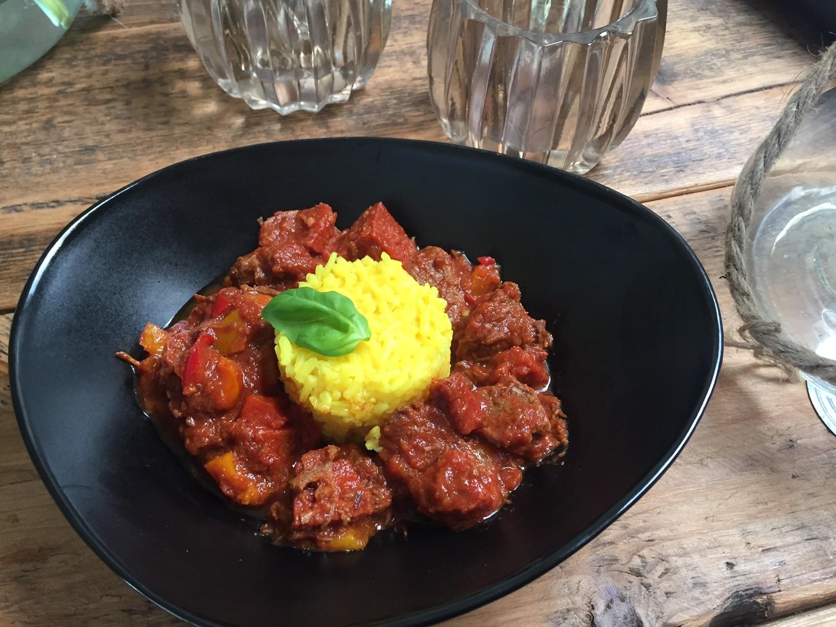 Spaanse stoofschotel recept met paprika en chorizo foodblog Foodinista