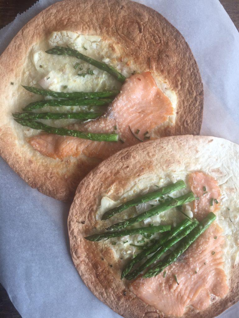 Tortizza met groene asperges en zalm recept van foodblog Foodinista