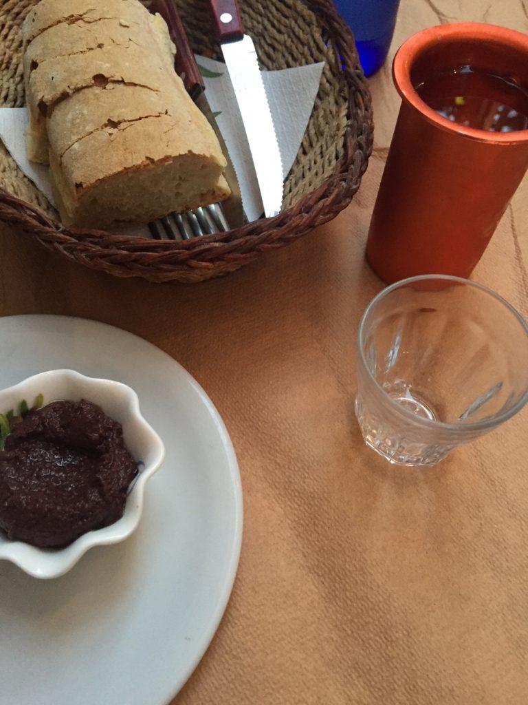 Griekse wijn Dineren bij restaurant Metaxa Old Market Naxos Cycladen Griekenland Foodblog Foodinista