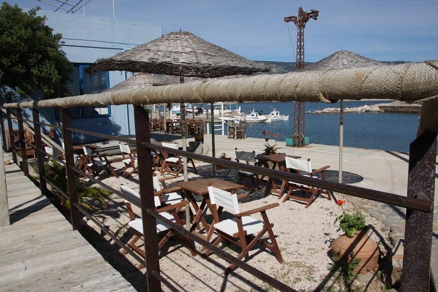 Restaurantje aan de haven van Limnia Foodie op Chios Griekenland Foodblog Foodinista