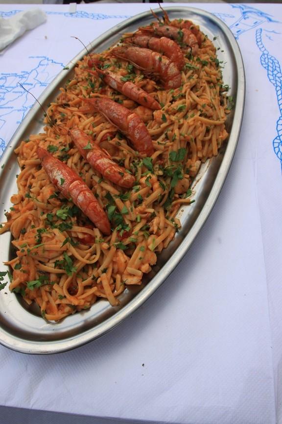 Griekse pasta met garnalen Foodie op Chios Griekenland Foodblog Foodinista