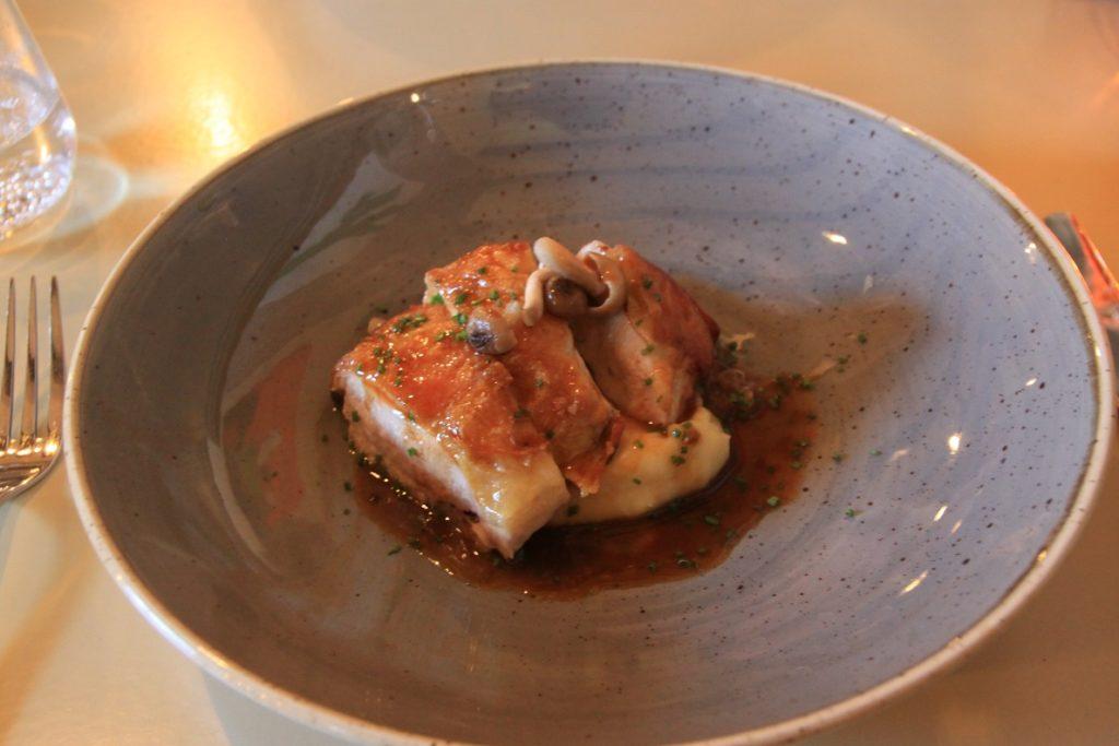 Parelhoen in Chimay met champignon en zuurkool Restaurant bij Kees in Zierikzee Zeeland Foodblog Foodinista