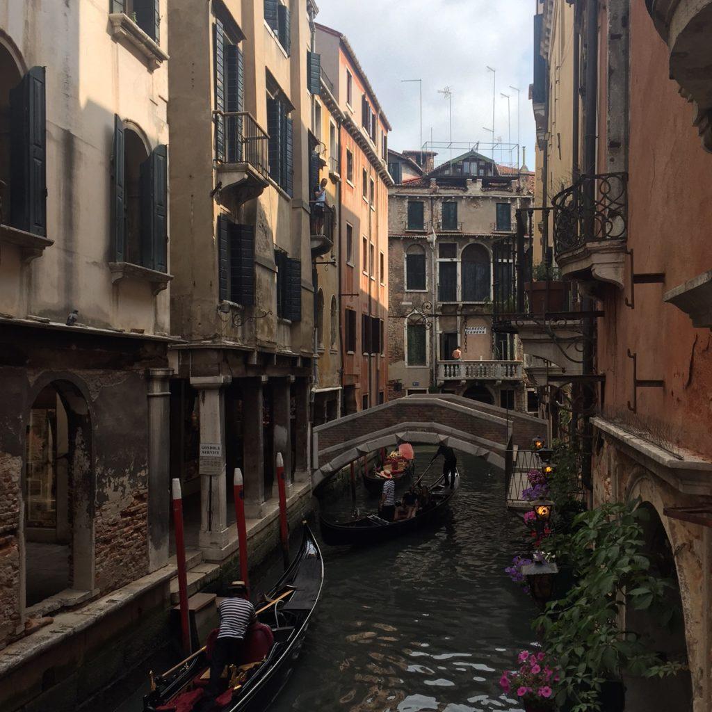 Venetië kanalen en gondels reistips foodblog Foodinista