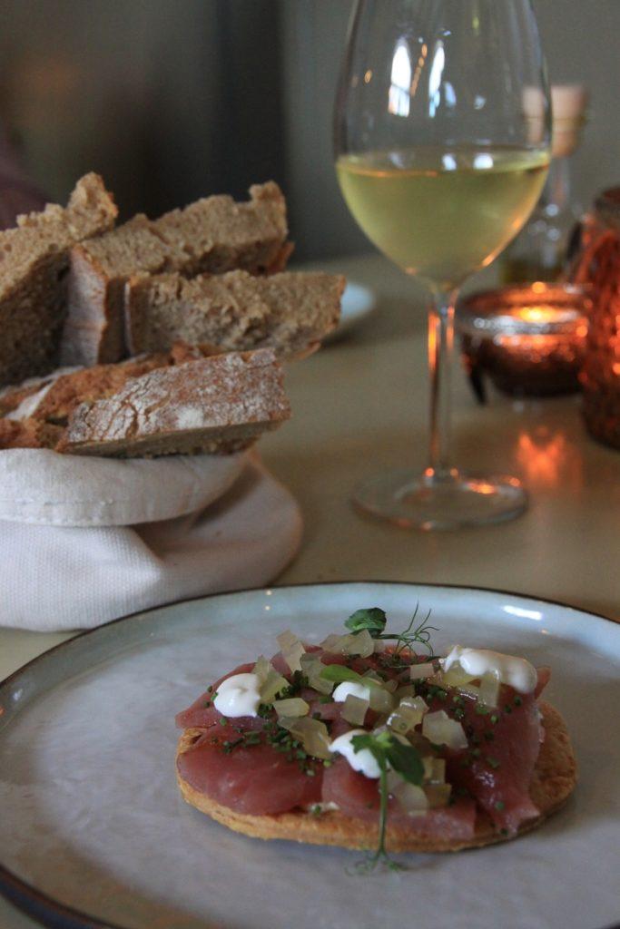 Tonijnpizza restaurant Bij Kees in Zierikzee Foodblog Foodinista