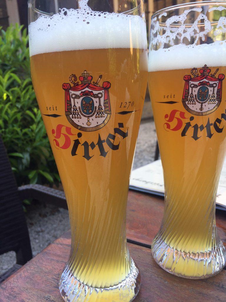 Weizen bier bij Brauhaus Fürbergs in Salzburg Foodie in Salzburg Foodblog Foodinista