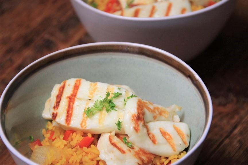 Saffraanrijst met paprika en halloumi recept van foodblog Foodinista