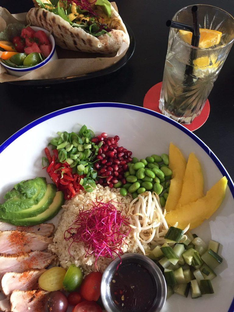 Poké Bowl en Kipshoarma gezondigen bij SNCKBR in Eindhoven Foodblog Foodinista