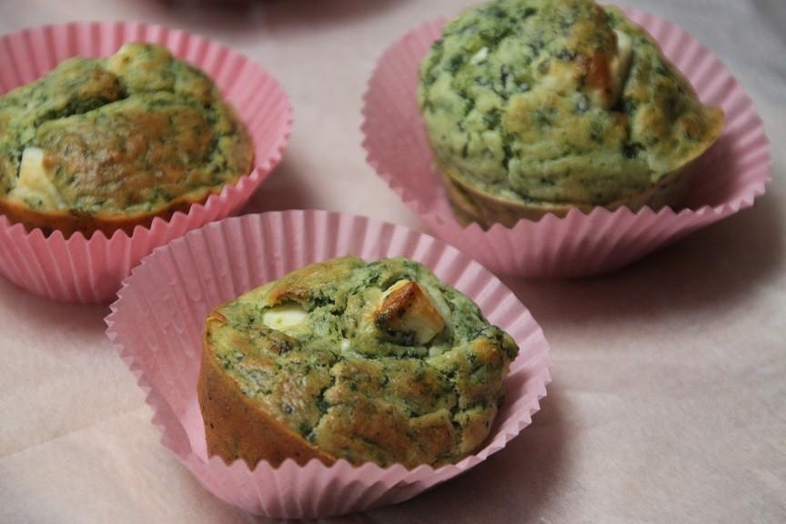 Hartige muffins met spinazie en feta recept uit kookboek 100 tapas foodblog Foodinista