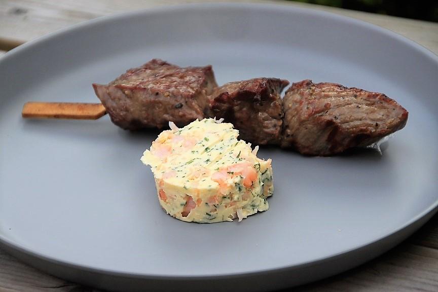 Biefstukspiesen met garnalenboter recept van Foodblog Foodinista
