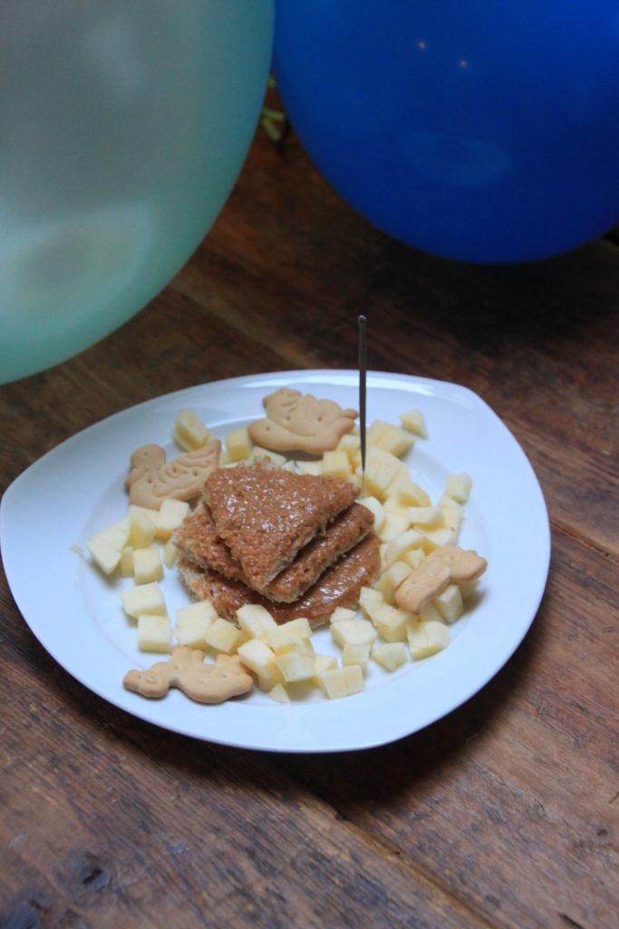 Boterhamtaart peuterverjaardag vieren foodblog Foodinista
