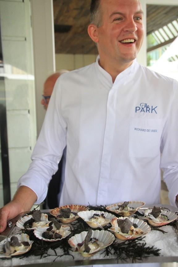 Coquilles Fruit de Mer bites bij The Park Inspired by Erik van Loo Restaurant tip Foodblog Foodinista in Rotterdam