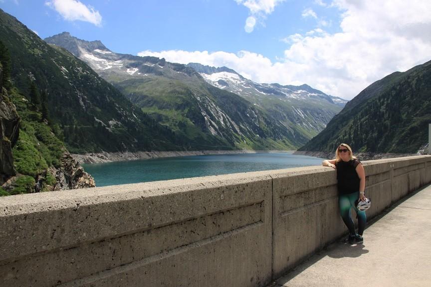 Op de dam in Tirol Oostenrijk reisblog Foodinista
