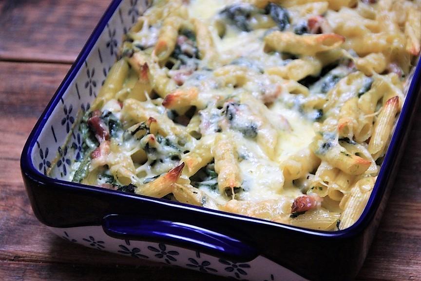 pasta ovenschotel met spinazie en spekjes van receptblog Foodinista