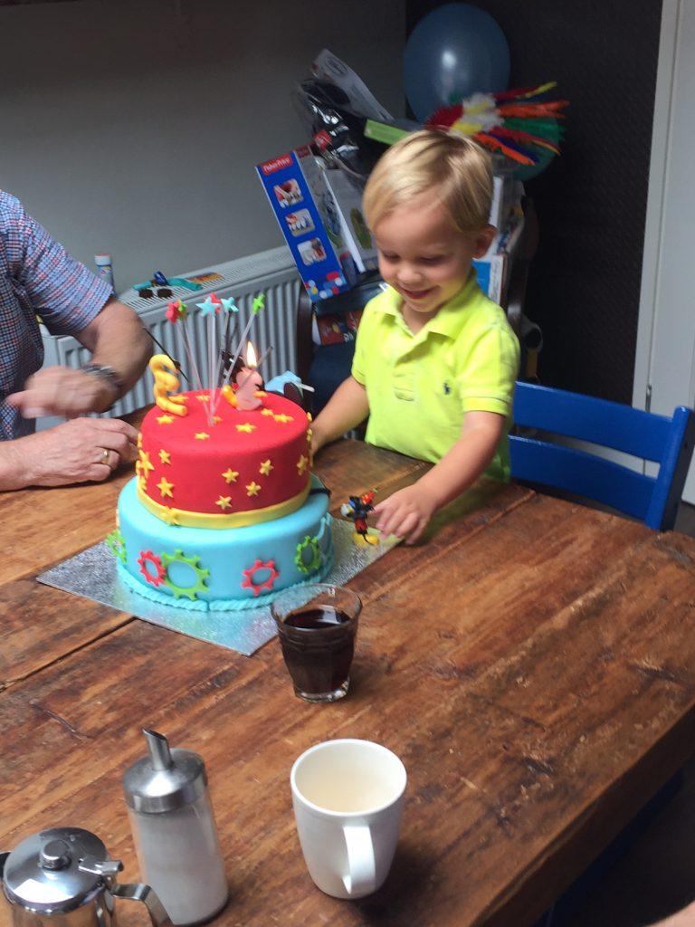 Mickeytaart peuter verjaardag vieren foodblog Foodinista