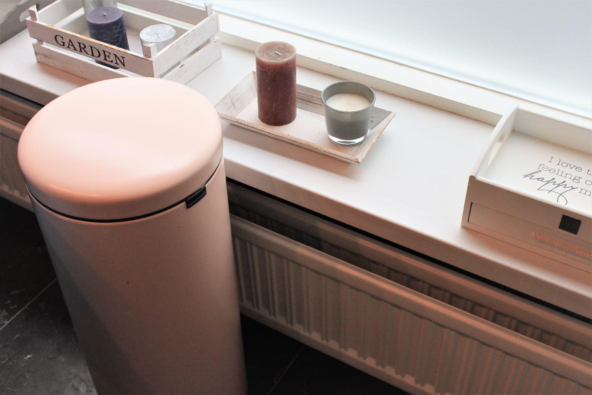 Roze prullenbak van Brabantia voor stijlvolle afvalscheiding