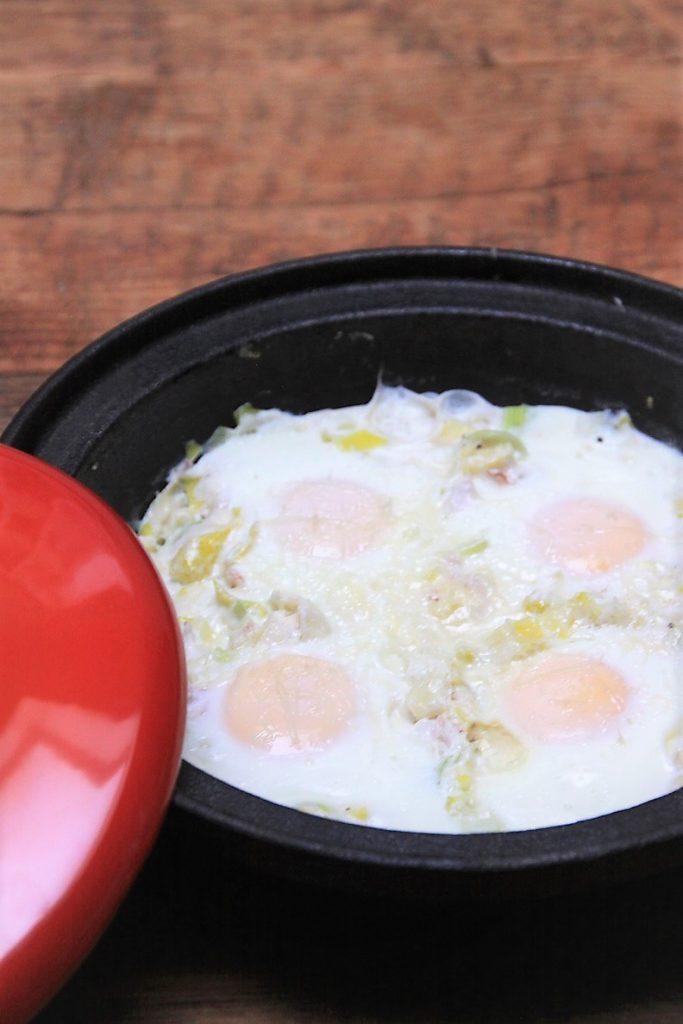 Romige prei tajine met ei en zalm recept van Foodblog Foodinista