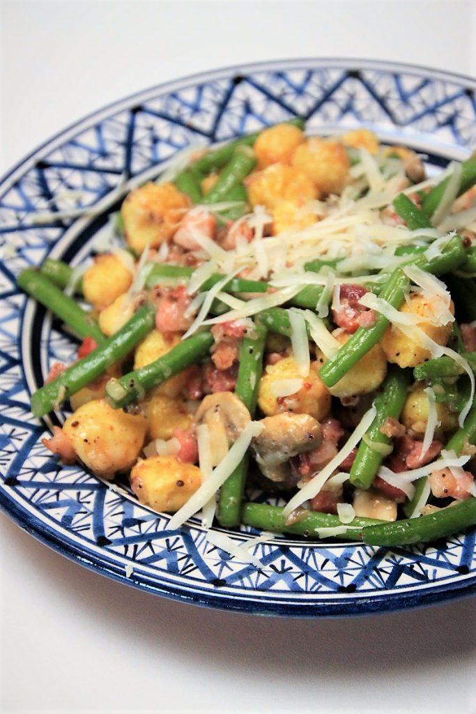 Sperziebonensalade met spekjes en champignons recept Foodblog Foodinista