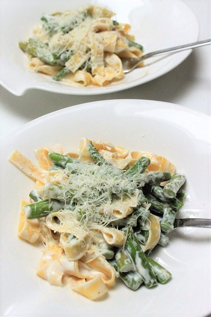 Pasta met asperges in geitenkaassaus recept van Foodblog Foodinista