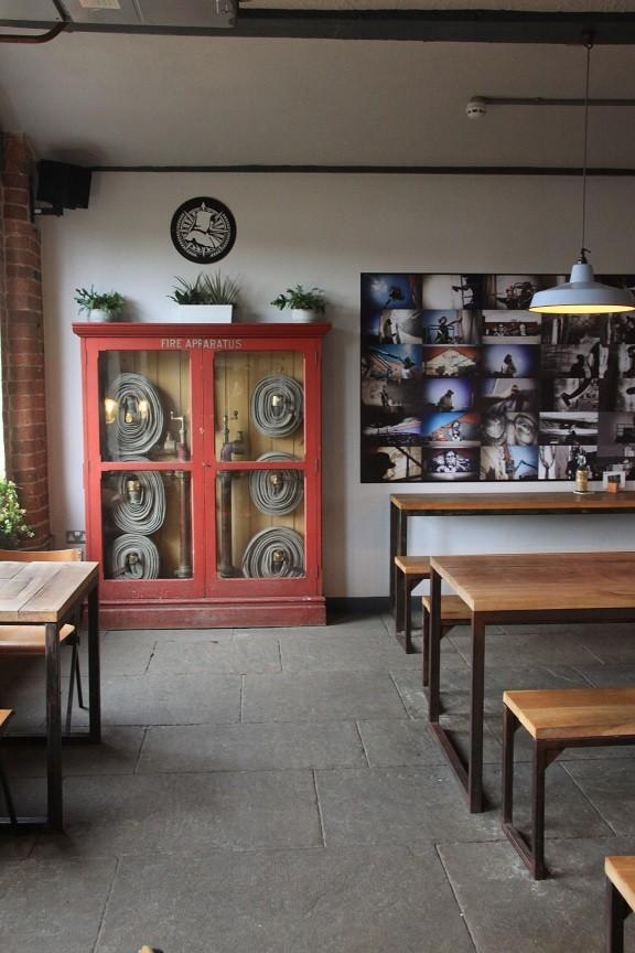 Pub bij bourwerij Northern Monk in Leeds meer tips in Foodie in Leeds Foodinista