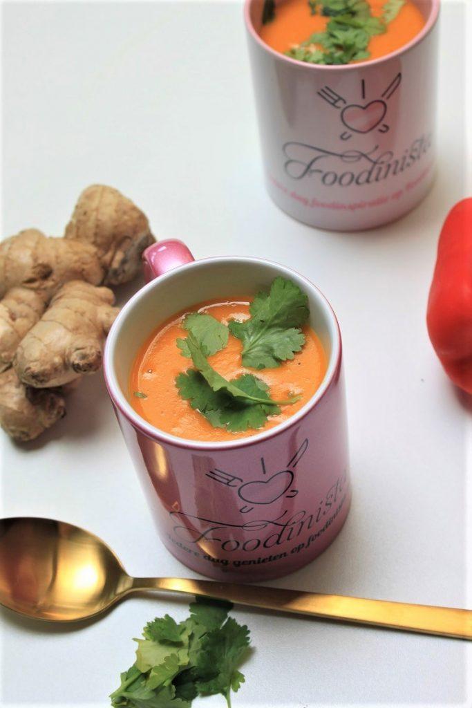 Currysoep recept met zoete aardappel en paprika van Foodblog Foodinista
