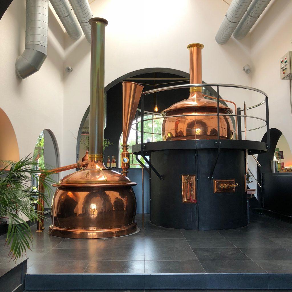 Restaurant de Brouwerij met brouwketels Emelisse Brouwerij in Kamperland Foodblog Foodinista