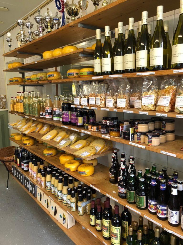 Delicatessen shoppen bij Schellach kaasboerderij in Zeeland tips Foodblog Foodinista