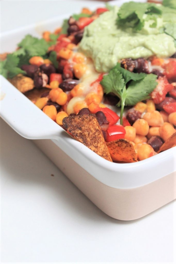 Vegetarische nachoschotel met bonen recept Foodblog Foodinista