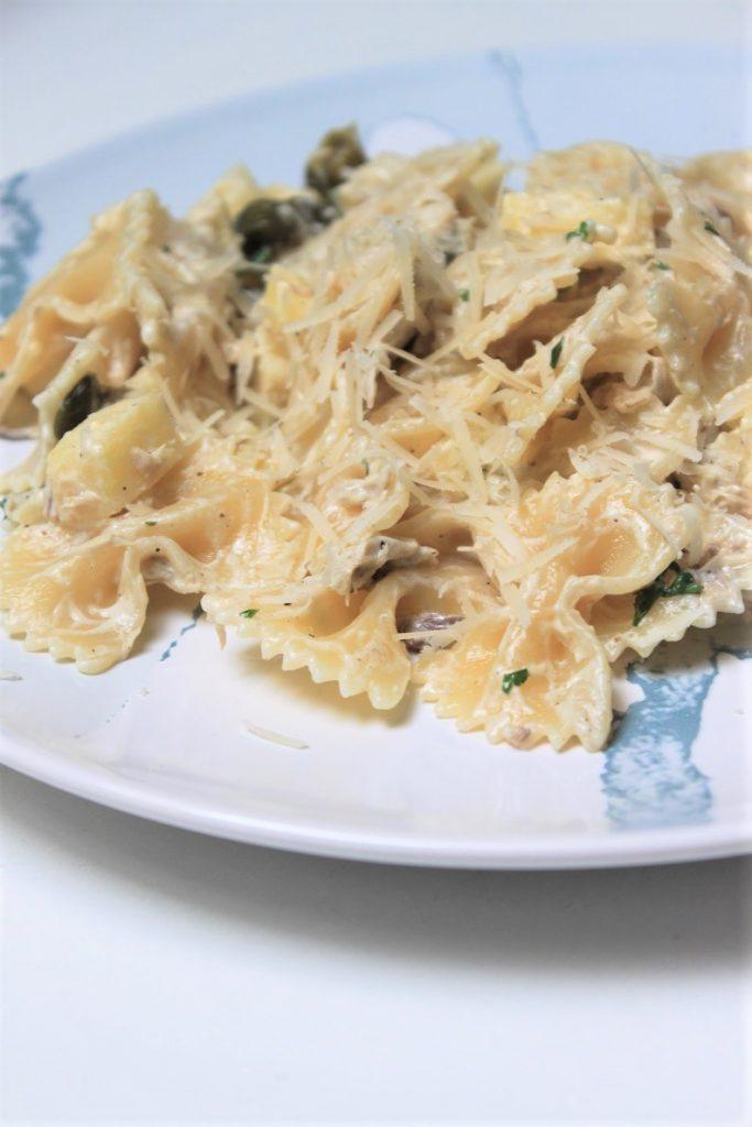 Pasta met makreel, kappertjes en appel recept op foodblog Foodinista