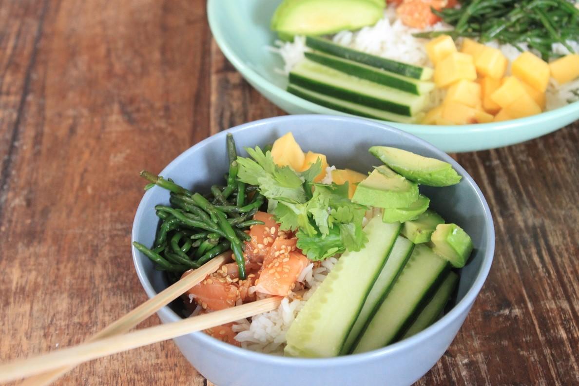 Pokebowl met zalm, mango en avocado recept Foodblog Foodinista