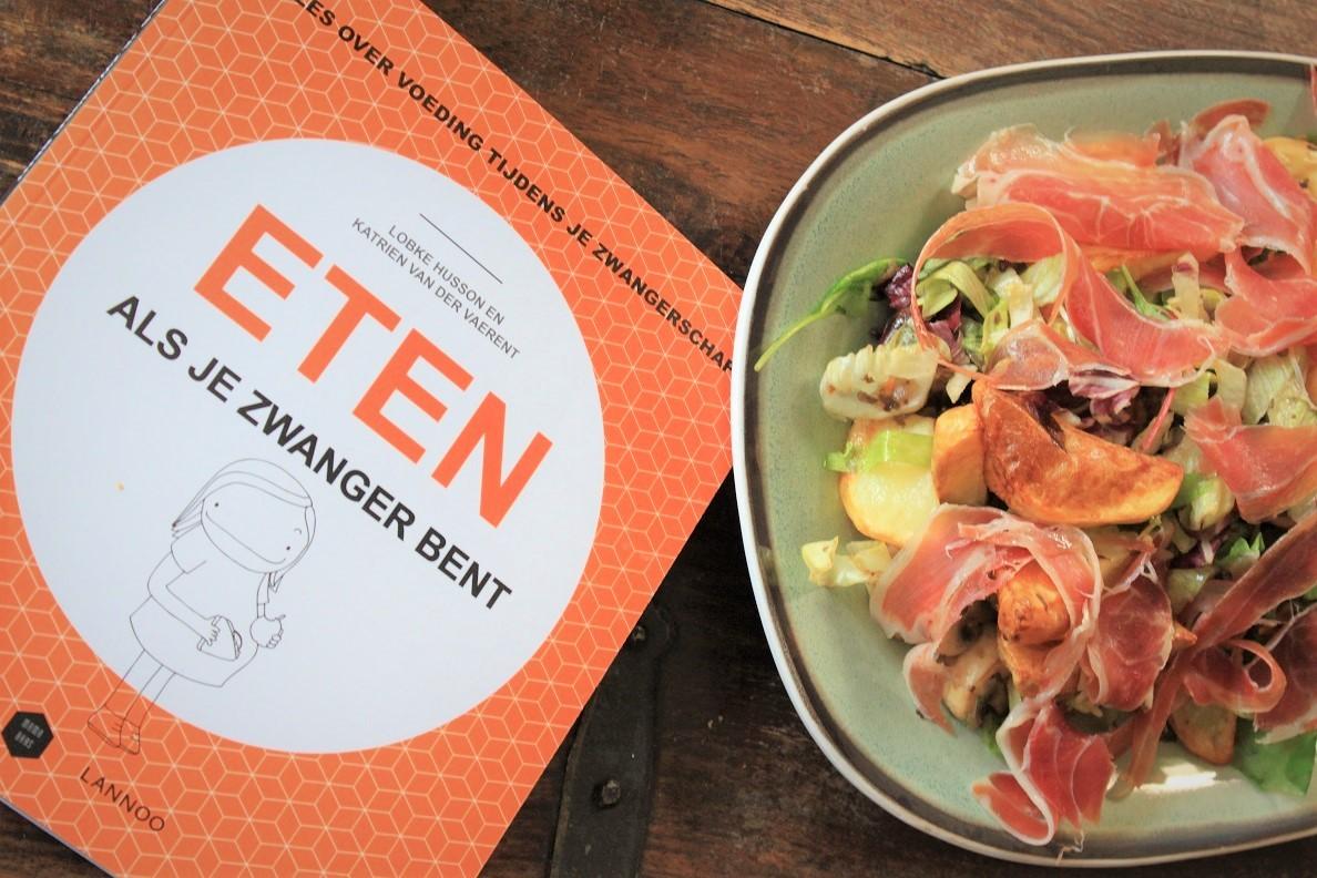 Warme salade met parmaham uit kookboek eten als je zwanger bent Foodblog Foodinista