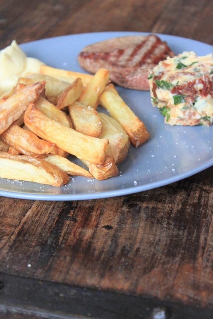 Kogelbiefstuk met ansjovisboter recept van Foodblog Foodinista