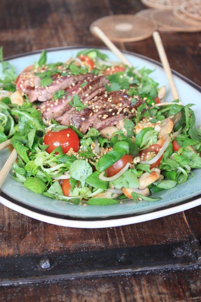 Aziatische biefstuksalade recept van Foodblog Foodinista