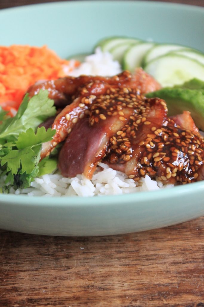Recept hoisin eend pokebowl van foodblog Foodinista