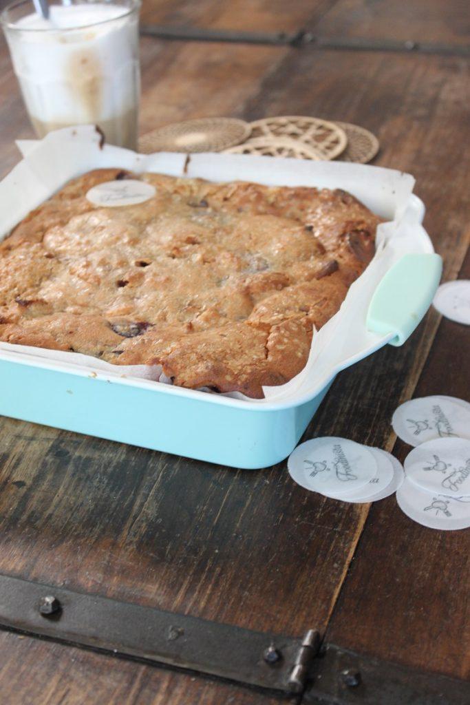 Vanille plaatcake met appel en kersen recept Foodblog Foodinista