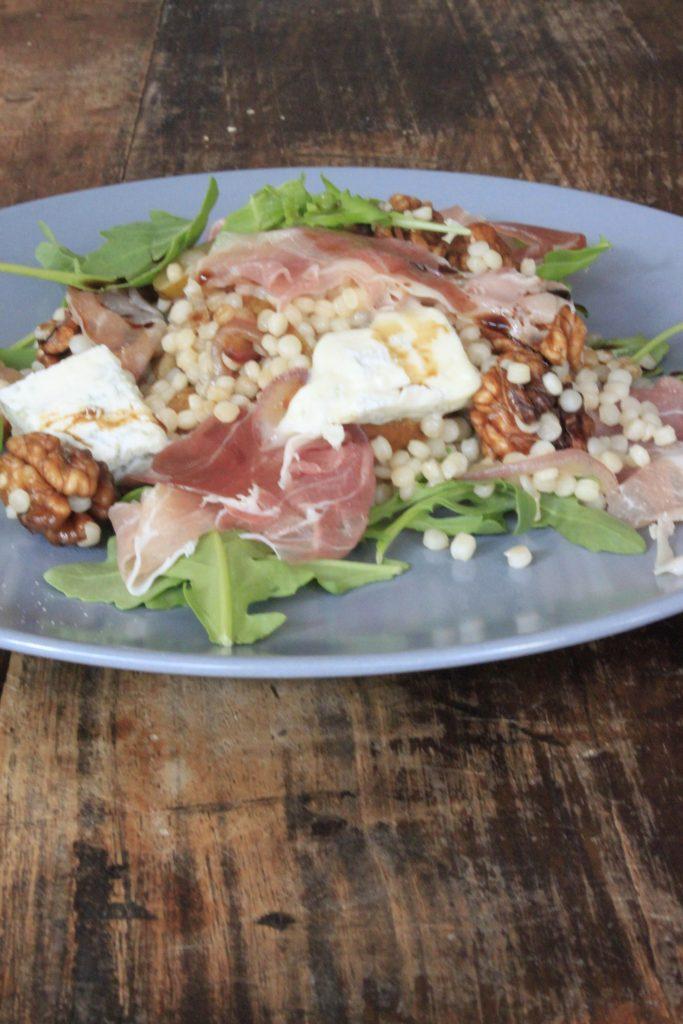 Pastarecept met peer, walnoot, Italiaanse ham en gorgonzola van Foodblog Foodinista