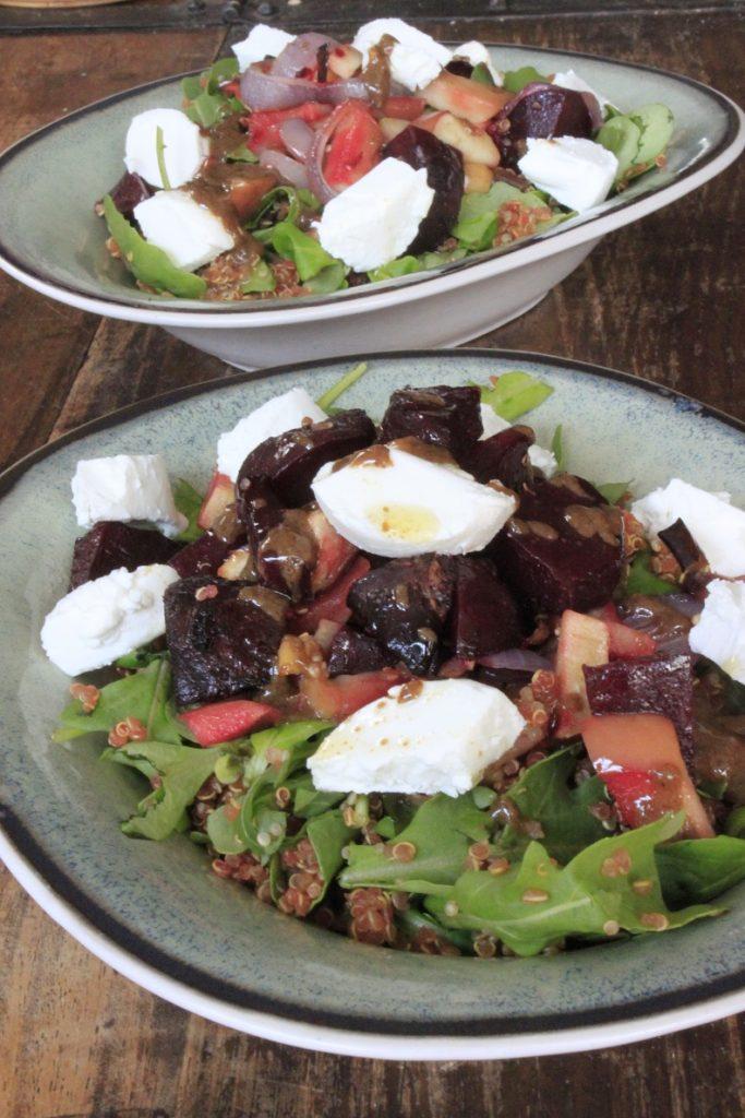 Quinoasalade met geitenkaas en bietjes van Foodblog Foodinista