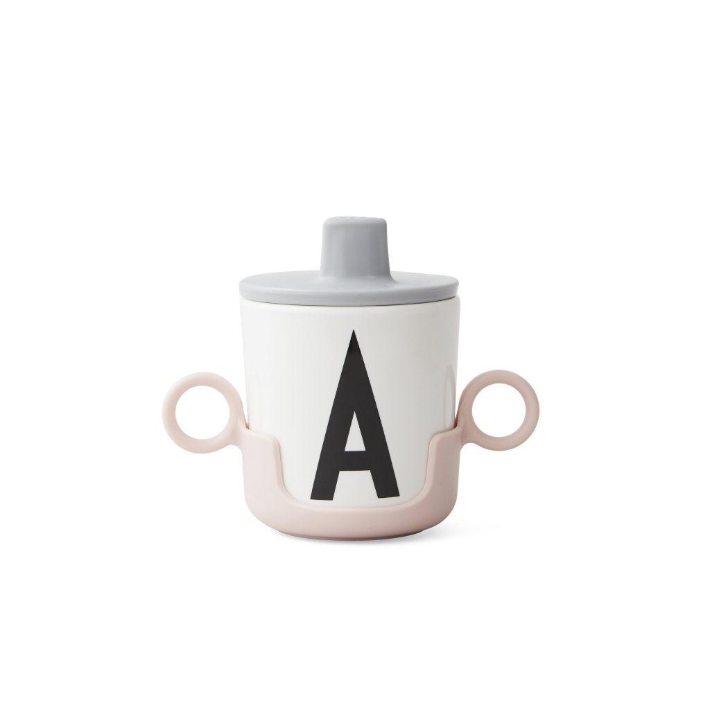 Sinterklaas cadeautjes voor kinderen Arne Jacobsen drinkbekers met letter voornaam tips van Foodblog Foodinista