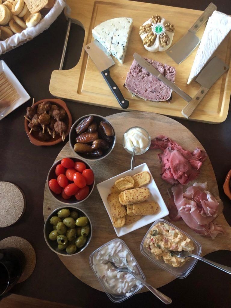 Sinterklaas borrelplank met lekkernijen afvallen met NewFysic Foodblog Foodinista