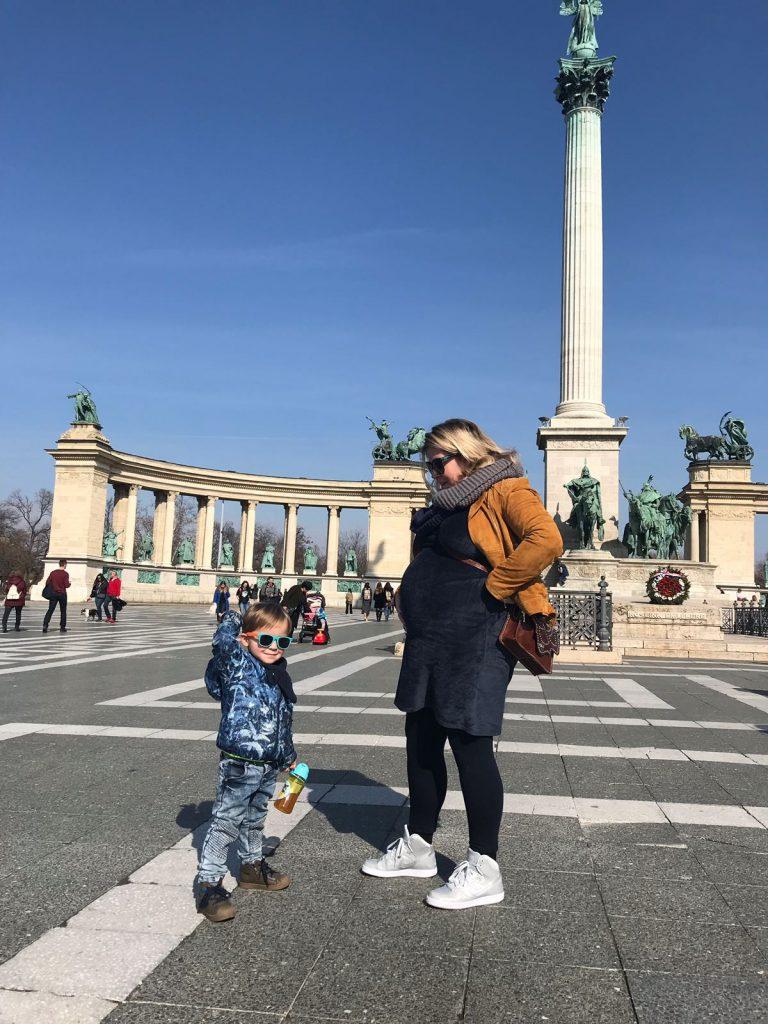 Met Florian in Budapest zwangere buik - Zwangerschapsverhaal Daphne van Foodinista