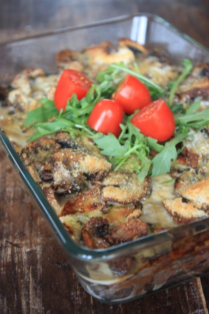 Frittata met gemengde paddenstoelen, rode ui en tapenade recept van Foodblog Foodinista
