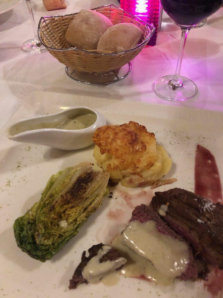 Steak met blauwe kaassaus